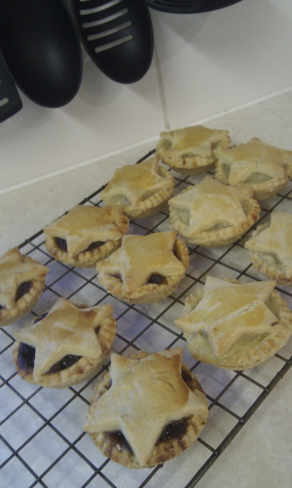 Crumbly sweet shortcrust pastry - my mom's recipe.